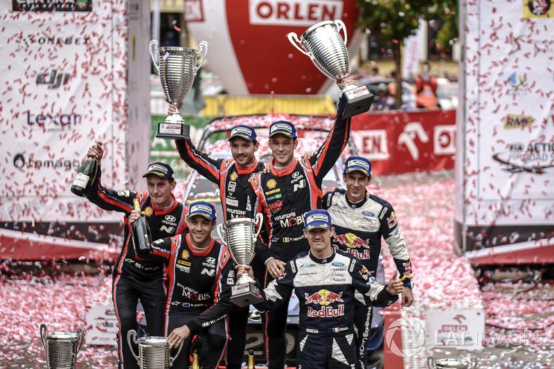 Podium: 1. Thierry Neuville, Nicolas Gilsoul, Hyundai Motorsport, 2. Hayden Paddon, Sebastian Marshall, Hyundai Motorsport, 3. Sébastien Ogier, Julien Ingrassia, M-Sport
