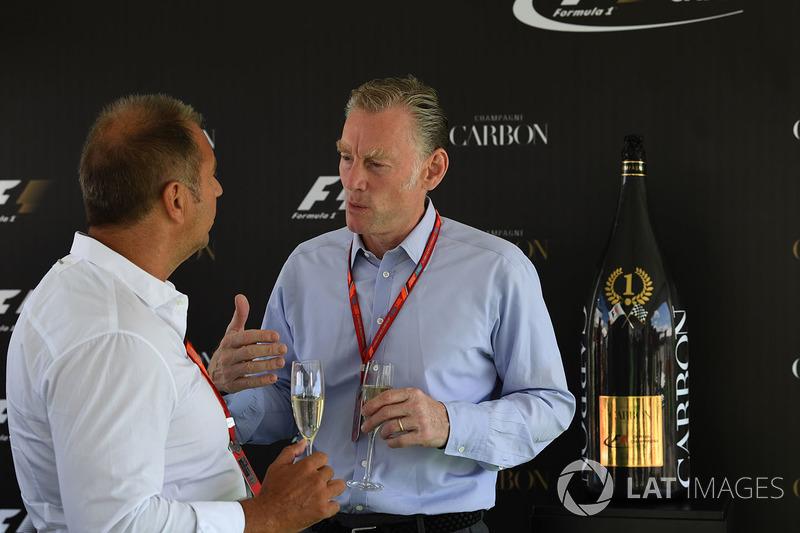 Kai Ebel, RTL Presenter y Sean Bratches, Director Comercial Formula One Group en la Carbon Champagne