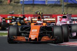 Stoffel Vandoorne, McLaren MCL32, Esteban Ocon, Sahara Force India F1 VJM10