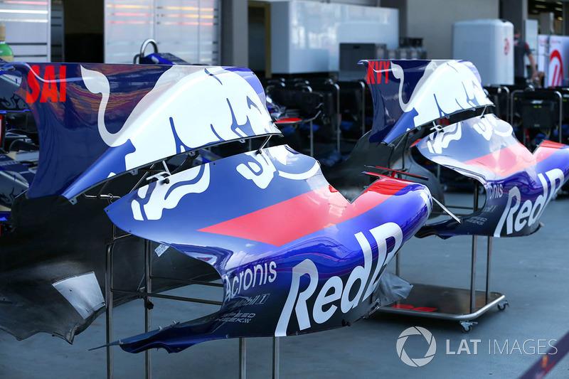 Scuderia Toro Rosso STR12: Karosserie
