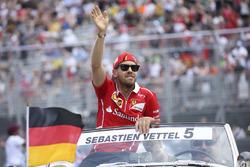 Sebastian Vettel, Ferrari, pilotlar geçit töreni