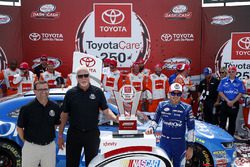 Richmond International Raceway President Dennis Bickmeier and Toyota Motor Sales General Manager, Motorsports & Asset Management Keith Dahl present Kyle Larson, Chip Ganassi Racing Chevrolet with the ToyotaCare 250 trophy
