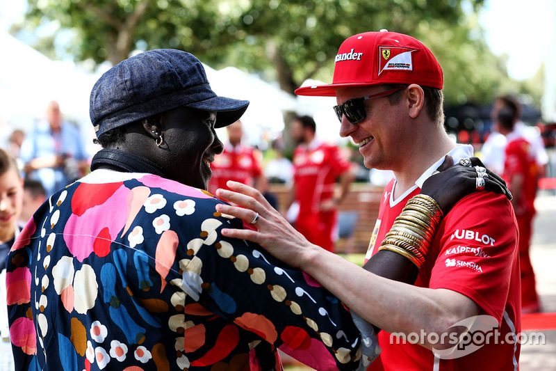 Kimi Räikkönen, Ferrari, mit Mr Moko