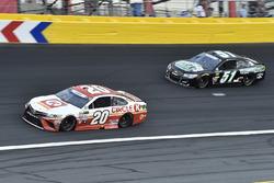 Matt Kenseth, Joe Gibbs Racing Toyota, Timmy Hill, Rick Ware Racing Chevrolet