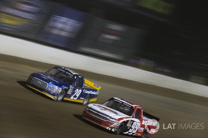 Chase Briscoe, Brad Keselowski Racing Ford y Ty Dillon, MDM Motorsports Chevrolet
