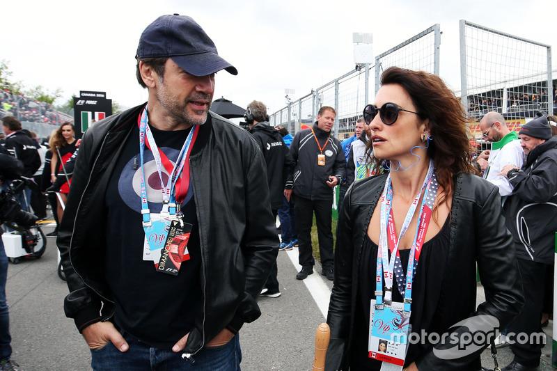 (Зліва направо): Хавьєр Бардем, актор, зі своєю дружиною, актрисою