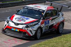 #326 Toyota Gazoo Racing, Toyota C-HR Racing: Masahiko Kageyama, Kumi Sato, Tomoyuki Katayama