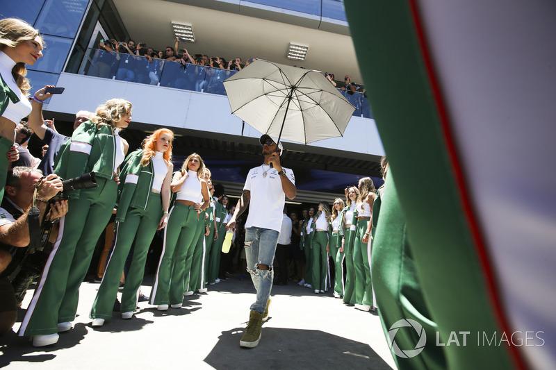Lewis Hamilton, Mercedes AMG F1,en el desfile de pilotos