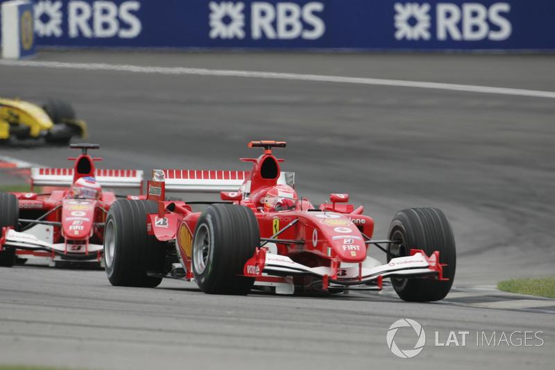 Пара Ferrari, расположившаяся на старте сильно впереди пилотов Jordan и Minardi, легко сохранила два первых места. Шумахер, разумеется, был впереди Баррикелло