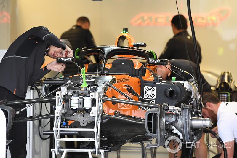 Подготовка McLaren MCL33