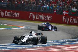 Lance Stroll, Williams FW41, Brendon Hartley, Toro Rosso STR13