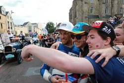 #11 SMP Racing BR Engineering BR1: Jenson Button with fans