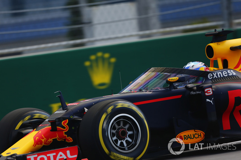 Daniel Ricciardo, Red Bull Racing RB12, aeroscreen ile