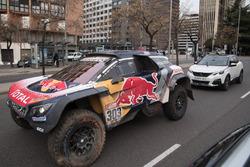 Карлос Сайнс, Лукас Крус, Peugeot Sport на улицах Мадрида