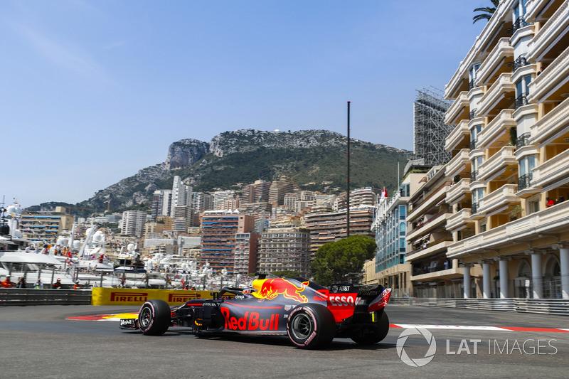 1: Даниэль Риккардо, Red Bull Racing RB14 – 1:10.810
