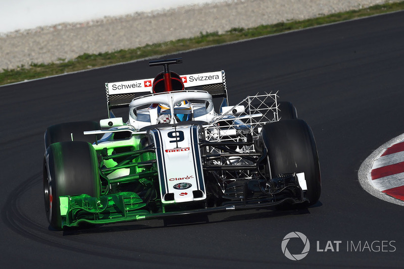 Marcus Ericsson, Alfa Romeo Sauber C37 with aero paint and aero sensors