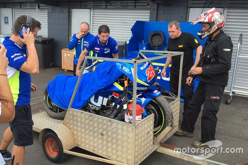Аварія Маверіка Віньялеса, Team Suzuki MotoGP
