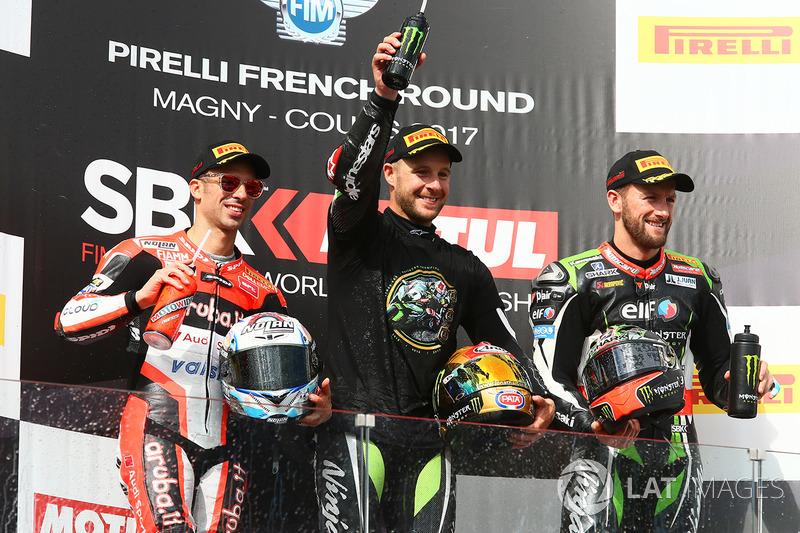 Подіум: переможець гонки та чемпіон світу 2017 року Джонатан Рей, Kawasaki Racing, друге місце Марко Меландрі, Ducati Team, третє місце Том Сайкс, Kawasaki Racing
