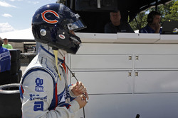 Ed Jones, Dale Coyne Racing Honda wearing Walter Payton tribute helmet