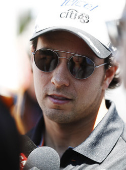 Sergio Pérez, Force India, con los medios