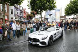 Paul Di Resta, Mercedes-AMG Team HWA, Mercedes-AMG C63 DTM nella Mercedes AMG Safety car