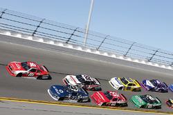 Райан Рид, Roush Fenway Racing Ford, Бреннан Пул, Chip Ganassi Racing Chevrolet и Брэд Кеселовски, Team Penske Ford