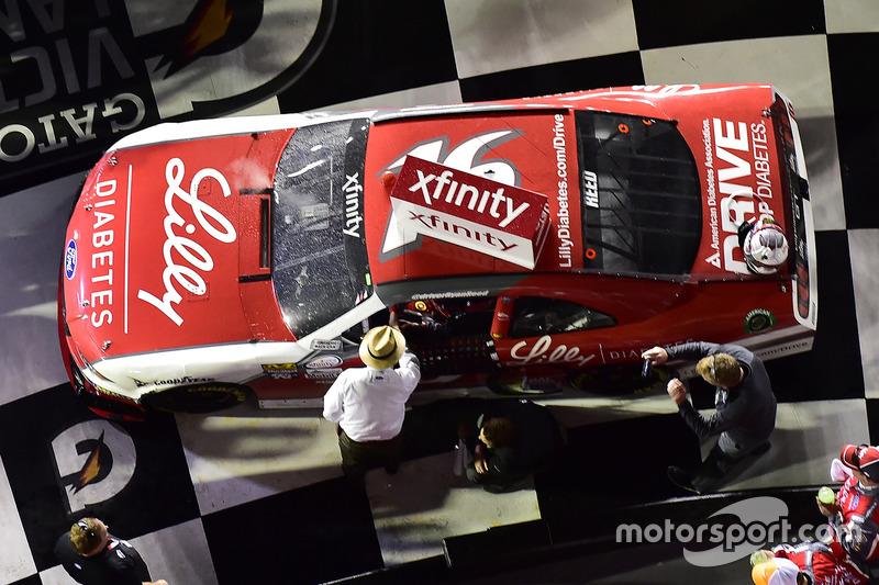1. Ryan Reed, Roush Fenway Racing, Ford, mit Jack Roush