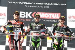 Podium: racewinnaar Jonathan Rea, Kawasaki Racing, tweede plaats Chaz Davies, Ducati Team, derde plaats Tom Sykes, Kawasaki