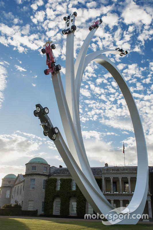 Escultura dedicada a Ecclestone en el Festival of Speed de Ecclestone