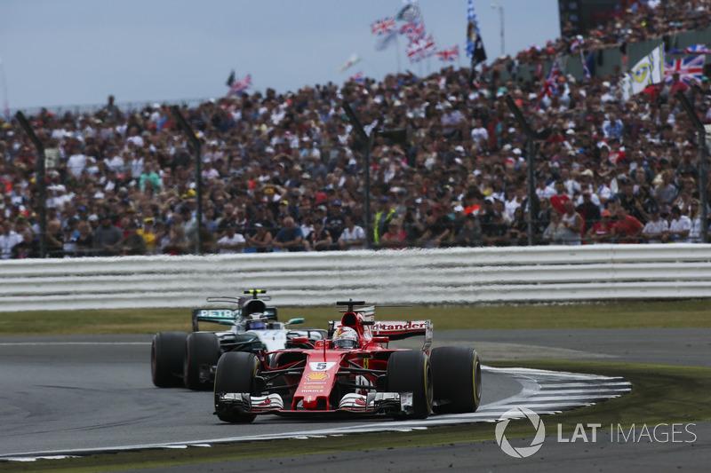 Себастьян Феттель, Ferrari SF70H, Валттері Боттас, Mercedes AMG F1 W08