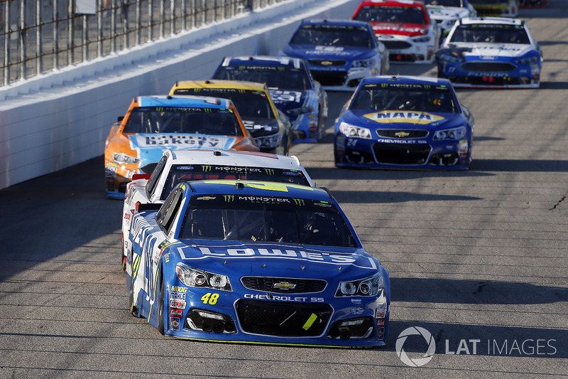 Jimmie Johnson, Hendrick Motorsports Chevrolet, Brad Keselowski, Team Penske Ford