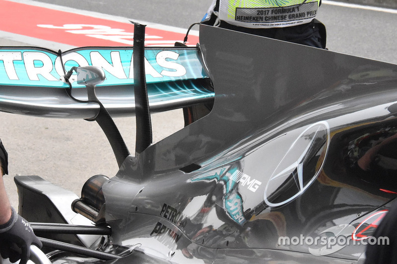 Mercedes AMG F1 W08 T wing detail