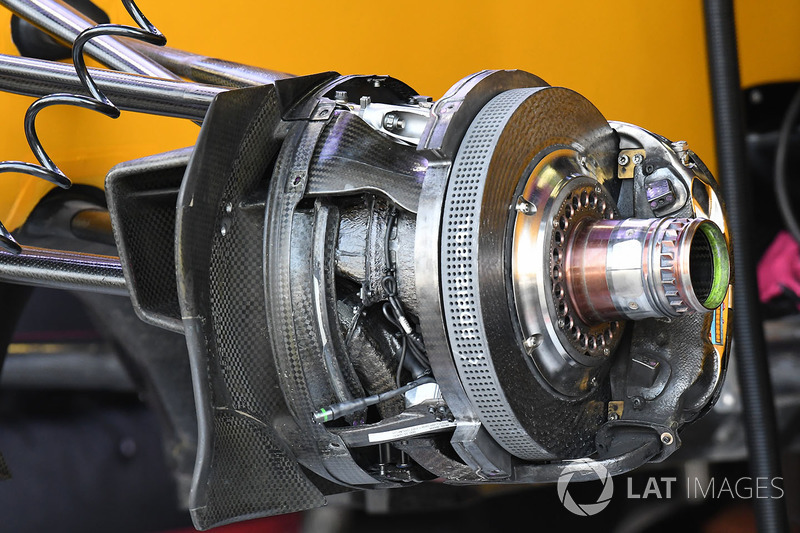Renault Sport F1 Team RS17 ön fren detay
