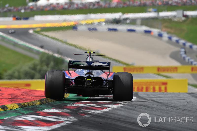 16 місце — Карлос Сайнс (Іспанія, Toro Rosso) — коефіцієнт 1001,00