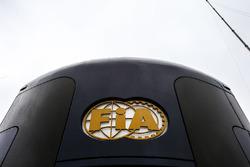 Моторхоум и логотип FIA