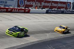 Ryan Blaney, Team Penske, Ford; Kyle Larson, Chip Ganassi Racing, Chevrolet