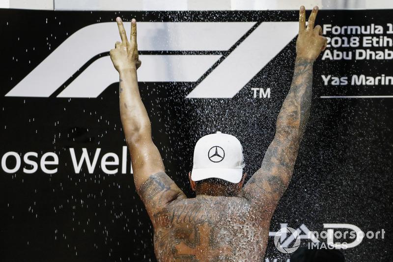 Lewis Hamilton, Mercedes AMG F1, sur le podium