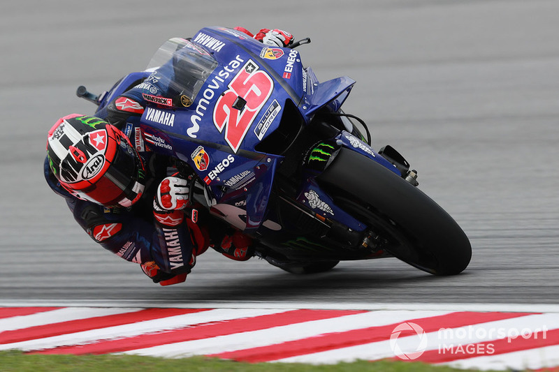 "<img src=""http://cdn-1.motorsport.com/static/custom/car-thumbs/MOTOGP_2018/NUMBERS/vinales.png"" width=""50"" />Maverick Viñales (Movistar Yamaha)"