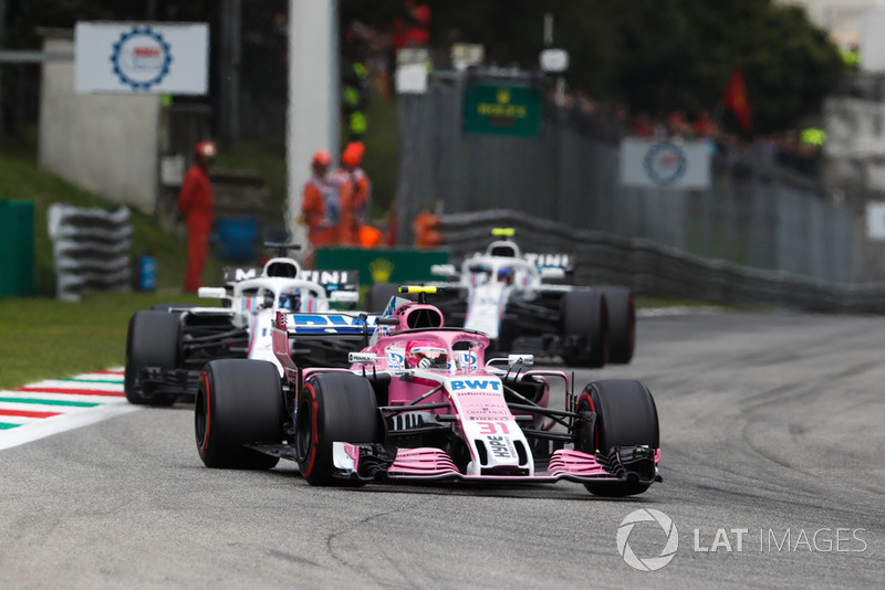 Esteban Ocon, Racing Point Force India VJM11, leads Lance Stroll, Williams FW41, and Sergey Sirotkin, Williams FW41