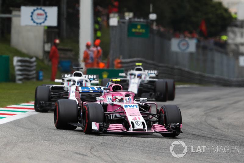 Esteban Ocon, Racing Point Force India VJM11, Lance Stroll, Williams FW41, y Sergey Sirotkin, Williams FW41