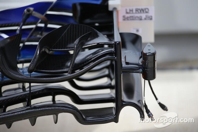El alerón delantero del McLaren MCL33 con una cámara