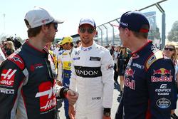 Ромен Грожан, Haas F1 Team и Дженсон Баттон, McLaren