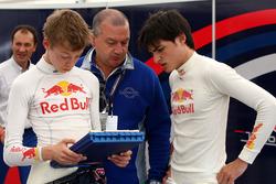 Daniil Kvyat, Carlos Sainz Jr.