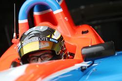 Tim Macrow tests the Formula Thunder 5000