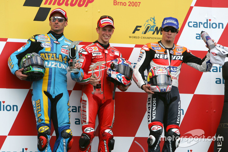 Podium: Sieger Casey Stoner, Ducati; 2. John Hopkins, Suzuki; 3. Nicky Hayden, Repsol Honda
