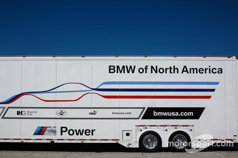 Renntransporter: BMW of North America