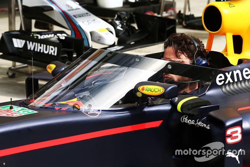 Red Bull Racing RB12 met het Aeroscreen