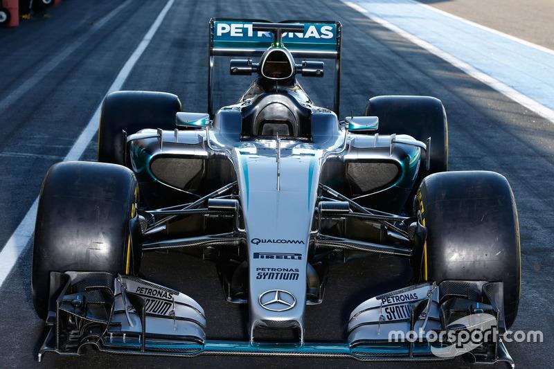 Mercedes AMG F1 W07 Hybrid with 2017 Pirelli tyres