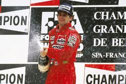 Podio: ganador Ayrton Senna, McLaren