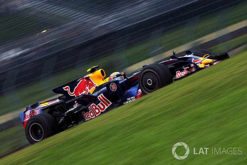 "<img src=""https://cdn-3.motorsport.com/static/img/cfp/0/0/0/0/13/s3/australia-2.jpg"" alt="""" width=""20"" height=""12"" />Марк Уэббер, Red Bull (21 очко)"